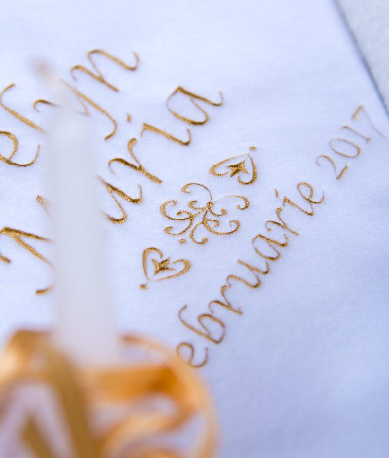 paturica brodata trusou de botez maria