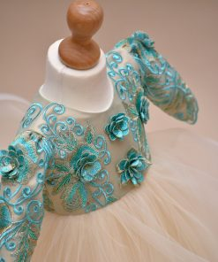 rochie botez flori verde