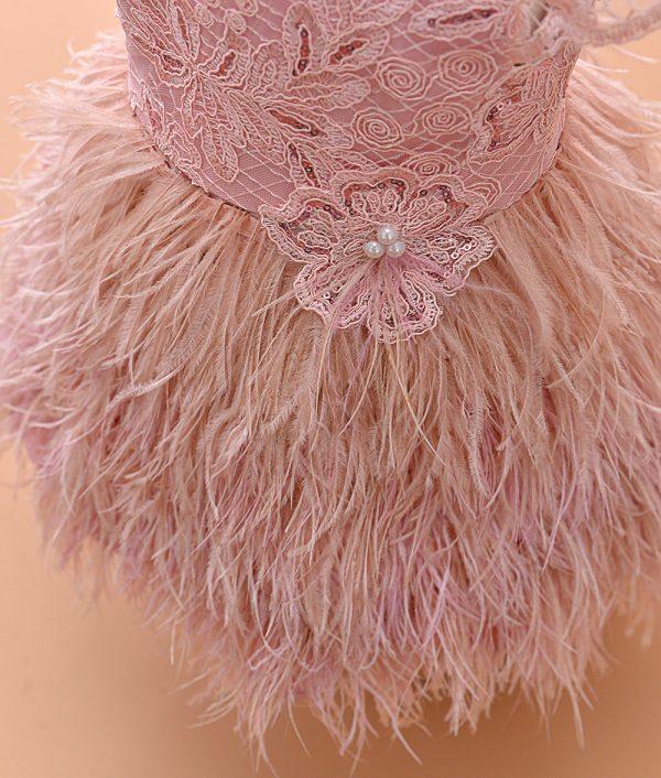 Rochita botez couture pene strut roz